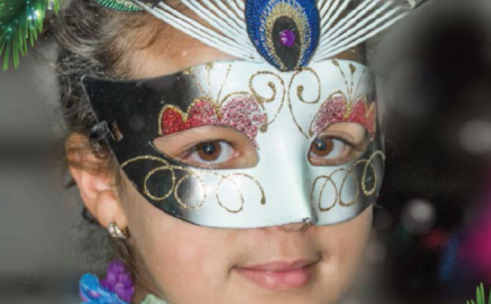 revista 45, niña con máscara, navidad